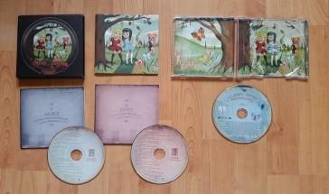 Album double limité à gauche, standard à droite