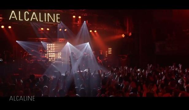 Live Trianon (La Vie est Belle)
